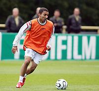 Photo: Chris Ratcliffe.<br />England training session. 06/06/2006.<br />Aaron Lennon.