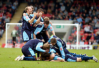 Photo: Leigh Quinnell.<br /> Leyton Orient v Swansea City. Coca Cola League 1. 06/10/2007. Swansea players celebrateDarren Pratleys goal.