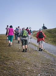 THEMENBILD - Wanderer auf einem Wanderweg. Schmittenhöhe ist im Sommer ein beliebtes Ausflugsziel für Urlauber und Bergliebhaber, aufgenommen am 30. Juli 2020, Zell am See, Österreich // Walker on a hiking trail. The Schmittenhöhe is a popular excursion destination in summer for holidaymakers and mountain lovers on 2020/07/30, Zell am See, Austria. EXPA Pictures © 2020, PhotoCredit: EXPA/ Stefanie Oberhauser
