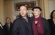 Kevin Spacey and Vanessa Redgrave. Unite for the Future. Sept 11 Charity benefit Old Vic. 18 November 2001. © Copyright Photograph by Dafydd Jones 66 Stockwell Park Rd. London SW9 0DA Tel 020 7733 0108 www.dafjones.com
