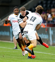 Scott Williams of Ospreys tussles with Benhard Janse van Rensburg of Cheetahs<br /> <br /> Photographer Simon King/Replay Images<br /> <br /> Guinness PRO14 Round 2 - Ospreys v Cheetahs - Saturday 8th September 2018 - Liberty Stadium - Swansea<br /> <br /> World Copyright © Replay Images . All rights reserved. info@replayimages.co.uk - http://replayimages.co.uk
