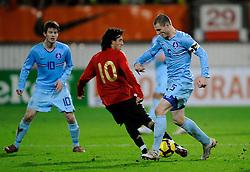 17-11-2009 VOETBAL: JONG ORANJE - JONG SPANJE: ROTTERDAM<br /> Nederland wint met 2-1 van Spanje / Erik Pieters<br /> ©2009-WWW.FOTOHOOGENDOORN.NL