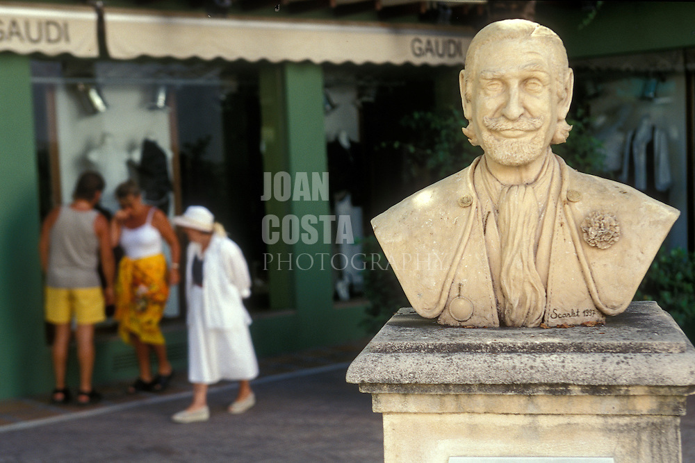 España. Mälaga. Marbella <br /> Busto de Don Jaime de Mora y Aragón, aristócrata que residía en la ciudad<br /> <br /> © JOAN COSTA