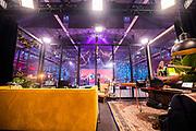ENSCHEDE, 18-12-2020 , Vliegveld Twenthe<br /> <br /> 3FM Serious Request The Lifeline 2020 bij Vliegveld Twenthe Evenementenlocatie! Elk jaar in de week voor kerst zetten de 3FM dj's zich in om heel Nederland te bewegen geld in te zamelen voor een stille ramp. Dit jaar het Rode Kruis.<br /> <br /> Op de foto: Frank van der Lende & Eva Koreman , Sander Hoogendoorn & Sophie Hijlkema ,  Rob Janssen & Wijnand Speelman