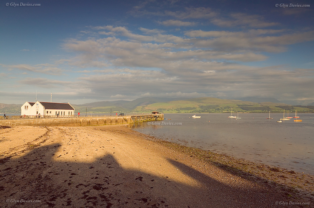 A delicate light over a warm and sunny Beaumaris. One of those afternoons where you really didn't need to get back home.