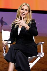 November 19, 2016 - Los Angeles, Kalifornien, USA - Gwyneth Paltrow  spricht auf dem Airbnb Open 2016 zum Thema 'The Game Plan: Strategies for Entrepreneurs' im Orpheum Theatre. Los Angeles, 19.11.2016 (Credit Image: © Future-Image via ZUMA Press)