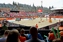 20150628 NED: WK Beachvolleybal day 3<br /> Madelein Meppelink en Marleen van Iersel hebben hun tweede poulewedstrijd gewonnen. Met een 2-0 overwinning op het Canadese Melissa Humana-Paredes #1, Taylor Pischke #2 CAN werd (waarschijnlijk) de poulewinst veilig gesteld. Centercourt Hofvijver