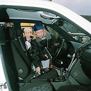 Landelijke Politiedag 1999 Huizen, meisje in politieauto