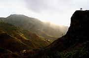 In the way to Tarrafal, Malagueta Mountain is the biggest physical barrier to arrive at the north of Santiago island. Its abrupt valleys and wet weather are specially noticed in slope's passages..