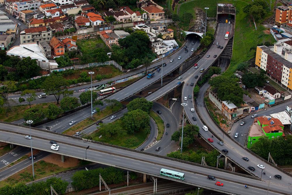Belo Horizonte_MG, Brasil...Viadutos do complexo de tuneis do Lagoinha, Minas Gerais...The overpass of the tunnel complex in Lagoinha, Minas Gerais...Foto: BRUNO MAGALHAES / NITRO