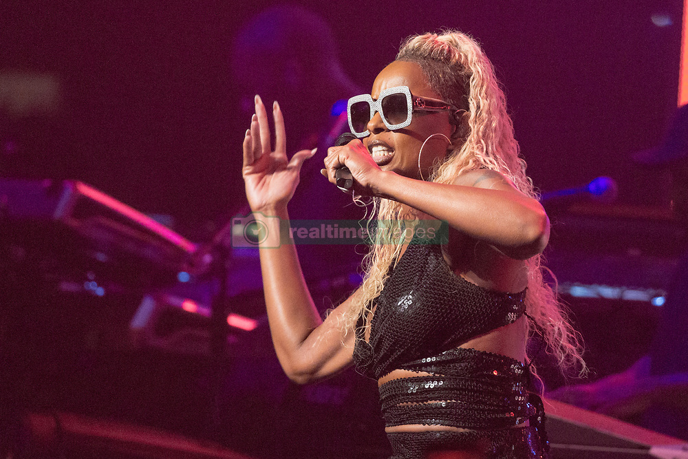 Mary J. Blige during Strength of a Women tour at Chicago Theatre on July 30, 2017, in Chicago, Illinois (Photo by Daniel DeSlover/imageSPACE) *** Please Use Credit from Credit Field ***
