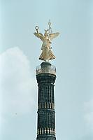 29 JUN 2001, BERLIN/GERMANY:<br /> Siegessaeule mit sog. Goldelse<br /> IMAGE: 20010629-03/01-07<br /> KEYWORDS: Siegessäule