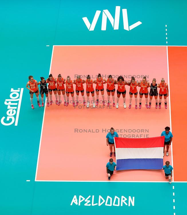 20180531 NED: Volleyball Nations League Netherlands - Brazil, Apeldoorn<br />National Anthem, Wilhelmus, Team Netherlands <br />©2018-FotoHoogendoorn.nl