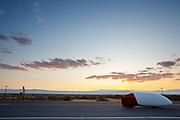 De eerste runs op zondagavond. In Battle Mountain (Nevada) wordt ieder jaar de World Human Powered Speed Challenge gehouden. Tijdens deze wedstrijd wordt geprobeerd zo hard mogelijk te fietsen op pure menskracht. De deelnemers bestaan zowel uit teams van universiteiten als uit hobbyisten. Met de gestroomlijnde fietsen willen ze laten zien wat mogelijk is met menskracht.<br /> <br /> In Battle Mountain (Nevada) each year the World Human Powered Speed Challenge is held. During this race they try to ride on pure manpower as hard as possible.The participants consist of both teams from universities and from hobbyists. With the sleek bikes they want to show what is possible with human power.