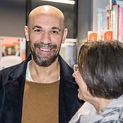 NLD/Zutphen/20191102 - Groot Dictee ter Nederlandse Taal, Abdelkader Benali in gesprek met Gerdi Verbeet