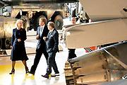 Koning Willem Alexander opent Nationaal Militair Museum op het voormalig vliegveld Soesterg. In het museum zijn de collecties van het Legermuseum in Delft en het Militair Luchtvaart Museum in Soesterberg samengevoegd. <br /> <br /> <br /> King Willem Alexander opens National Military Museum at the former airport Soesterg. In the museum are the collections of the Army Museum in Delft and the Military Aviation Museum in Soesterberg merged.<br /> <br /> op de foto / On the photo: <br /> <br />  Koning Willem Alexander krijgt een rondleiding / <br /> King Willem Alexander gets a tour
