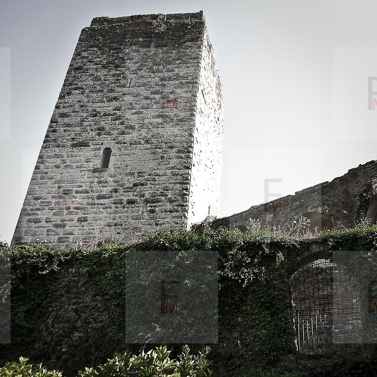 La torre del astello Visconteo a Trezzo d'Adda..The tower of Castello Visconteo in Trezzo d'Adda