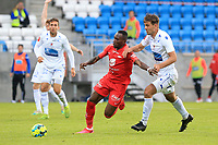 Fotball , 17. juni 2020 , Eliteserien,<br />Haugesund - Brann Bergen<br />Karamoko Bamba fra Brann Bergen i aksjon mot Fredrik Knudsen fra Haugesund.<br />Foto: Andrew Halseid Budd , Digitalsport