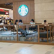 NLD/Bangkok/20180713 - Vakantie Thailand 2018, Starbucks in een winkelcentrum