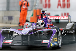 April 28, 2018 - Paris, Ile-de-France, France - Britain's Alex Lynn of the Formula E team DS Virgin competes during the practice session of the French stage of the Formula E championship around The Invalides Monument close to The Eiffel Tower in Paris on April 28, 2018. (Credit Image: © Michel Stoupak/NurPhoto via ZUMA Press)