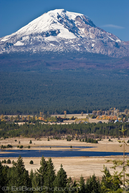 Looking across Conboy Lake National Wildlife Refuge and ranches near Glenwood in the Cascade Mountain Range, WA, USA. autumn