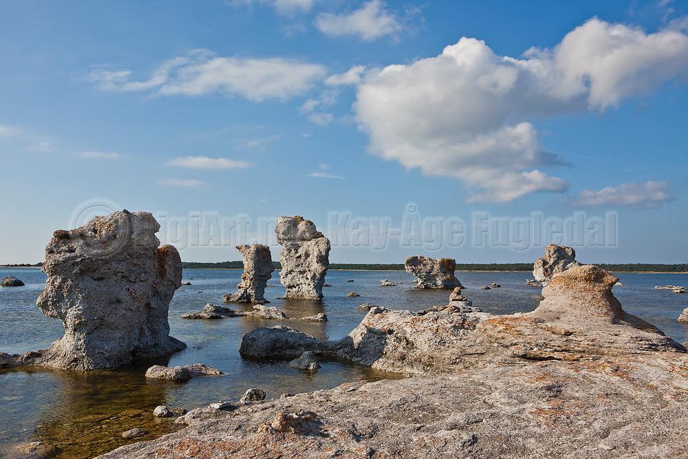 Hoodoos at Fårø, outside Gotland, Sweeden   Rauker på Fårø utenfor Gotland, Sverige