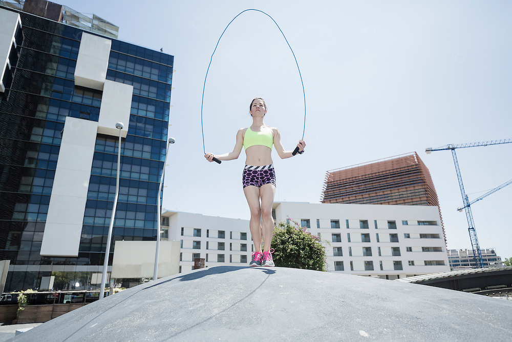 Jump rope work out in the city