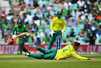 Cricket - 2019 ICC Cricket World Cup - Group Stage: South Africa vs. Bangladesh<br /> <br /> South Africa's Aiden Markram fails to stop Bangladesh's Mushfiqur Rahim from scoring, at The Kia Oval.<br /> <br /> COLORSPORT/ASHLEY WESTERN