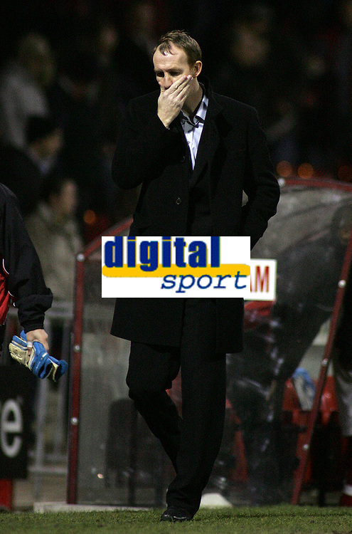 Photo: Paul Thomas.<br /> Rotherham United v Swansea City. Coca Cola League 2. 27/02/2007.<br /> <br /> A dejected Rotherham manager Alan Knill leaves the pitch after their loss.