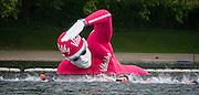 The athletes swim in the Serpentine. Vitality World Triathlon London, Hyde Park, London, UK on 31 May 2015. Photo: Simon Parker