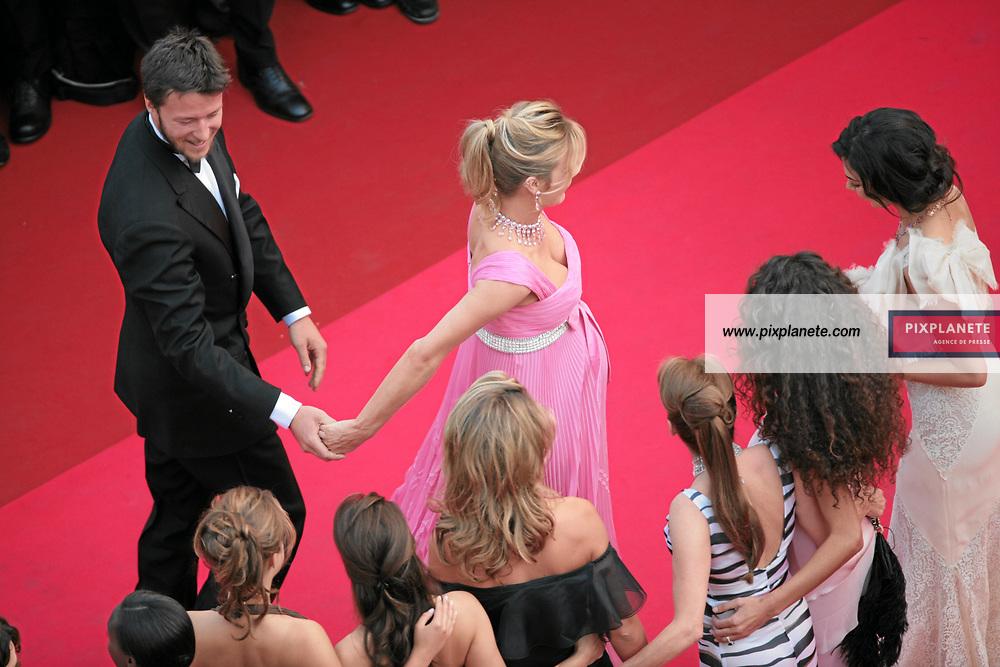 Eva Herzigova et son amoureux - Ouverture du 60 ème Festival de Cannes - 16/05/2007 - JSB / PixPlanete