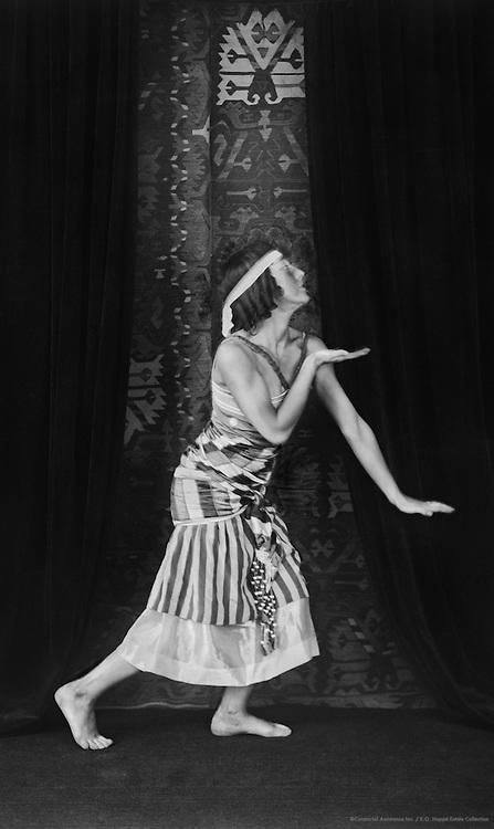 Lydia Sokolova as Ta-Hor in 'Cléopâtre', London, England, 1918