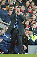 19/12/2004 - FA Barclays Premiership - Liverpool v Newcastle United - Anfield, Liverpool<br />Liverpool's manager Rafael Benitez shouts to his players as Newcastle United manager Graeme Souness sits dejected on the bench.<br />Photo:Jed Leicester/Back Page Images