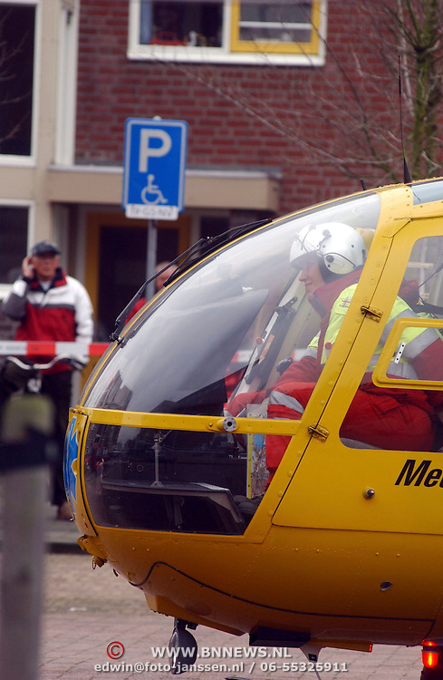 Ongeval met beknelling Huizermaatweg Huizen, traumaheli