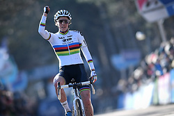 February 10, 2018 - Lille, BELGIUM - Belgian world champion Sanne Cant celebrates as she crosses the finish line to win the women's elite race of the Krawatencross cyclocross in Lille, the eighth and last stage in the DVV Verzekeringen Trofee Cyclocross competition, Saturday 10 February 2018. BELGA PHOTO DAVID STOCKMAN (Credit Image: © David Stockman/Belga via ZUMA Press)