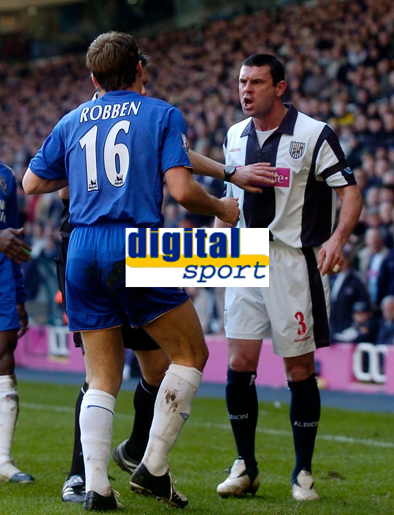 Photo: Glyn Thomas.<br />West Bromwich Albion v Chelsea. The Barclays Premiership. 04/03/2006.<br />West Brom's Paul Robinson (R) confronts Arjen Robben after his challenge on Jonathan Greening, for which Robben was shown the red card.