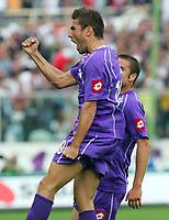 Firenze 22/10/2006<br /> Campionato Italiano Serie A 2006/07<br /> Fiorentina-Reggina<br /> L'esultanza di Mutu dopo il gol dell'1-0<br /> Foto Luca Pagliaricci INSIDE