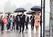 """Koning Willem-Alexander en koningin Maxima brengen een streekbezoek aan Noardwest Fryslan.<br /> <br /> King Willem-Alexander and Queen Maxima bring a regional visit to Northwest Friesland<br /> <br /> Op de foto / On the photo: Koning en Koningin bezoeken de  biologische tomatenkwekerij 'It Wiid'. Hier werken en leren kandidaat-werknemers, die voor een uitkering onder de Participatiewet in aanmerking komen, hoe het is om in de glastuinbouw te werken. <br /> <br /> <br /> King and Queen visit the organic tomato """"It Wiid. Here working and learning potential employees who are eligible for benefits under the participation Act, how it is to work in horticulture."""