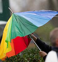 LAREN - Regen en storm tijdens de hoofdklasse competitie hockey tussen de dames van Laren en Pinoke (2-0) . COPYRIGHT KOEN SUYK