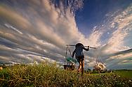Vietnam Images-people-working. hoàng thế nhiệm