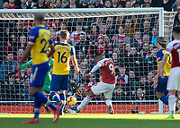 Football - 2018 / 2019 Premier League - Arsenal vs. Southampton<br /> <br /> Alexandre Lacazette (Arsenal FC) fires over the bar from close range at The Emirates.<br /> <br /> COLORSPORT/DANIEL BEARHAM