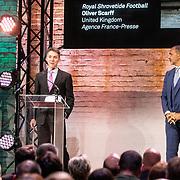 NLD/Amsterdam/20180412 - Prins Constantijn en Prinses Laurentien aanwezig bij uitreiking World Press Photo of the Year, Oliver Scarff en Ruud Gullit