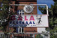 "17 SEP 2004, BERLIN/GERMANY:<br /> Gala Festsaal, Lise-Meitner-Str. 3, Berlin Charlottenburg, moeglicher Veranstaltungsort des geplanten ""Ersten Arabischen Islamischen Kongresses"" in Berlin<br /> IMAGE: 20040917-01-014"