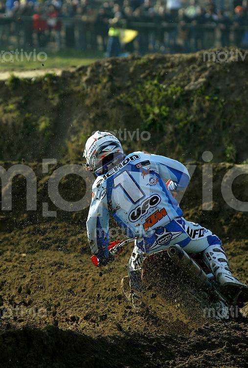Mantova , 110207 , Starcross Seasonopener  Erstes Kraeftemessen der internationalen Motocrosselite beim Starcross in Mantova.  Mickael PICHON (KTM , FRA)