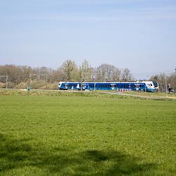 08-04-2020: Nieuws: Stockfotos: Nederland<br /> Blauwnet trein