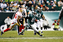 Philadelphia Eagles wide receiver Jason Avant #81 carries the ball during the NFL game between the San Francisco 49ers and the Philadelphia Eagles on December 20th 2009.  The Eagles won 27-13 at Lincoln Financial Field in Philadelphia, Pennsylvania. (Photo By Brian Garfinkel)