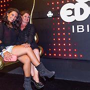 ESP/Ibiza/20130707 - Opening club Eden Ibiza, Richarda van Kasbergen en en dochter Rebecca Cabau van Kasbergen
