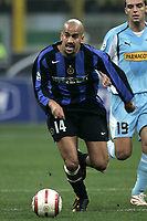 Milano 30-10-2004<br /> <br /> Campionato di calcio Serie A 2004-05<br /> <br /> Inter Lazio<br /> <br /> nella  foto Juan Sebastian Veron Inter<br /> <br /> Foto Snapshot / Graffiti