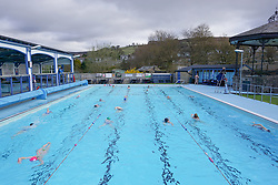 © Licensed to London News Pictures. 29/03/2021. Hathersage, UK. Members of the public exercises at Hathersage Swimming Pool in Derbyshire, as restrictions are further eased during the coronavirus pandemic. Photo credit:  Ioannis Alexopoulos/LNP
