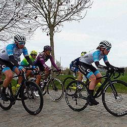 04-04-2021: Wielrennen: Ronde van Vlaanderen (Vrouwen): Oudenaarde<br />(212) Ingvild Gjaskenn; Mieke Kroger
